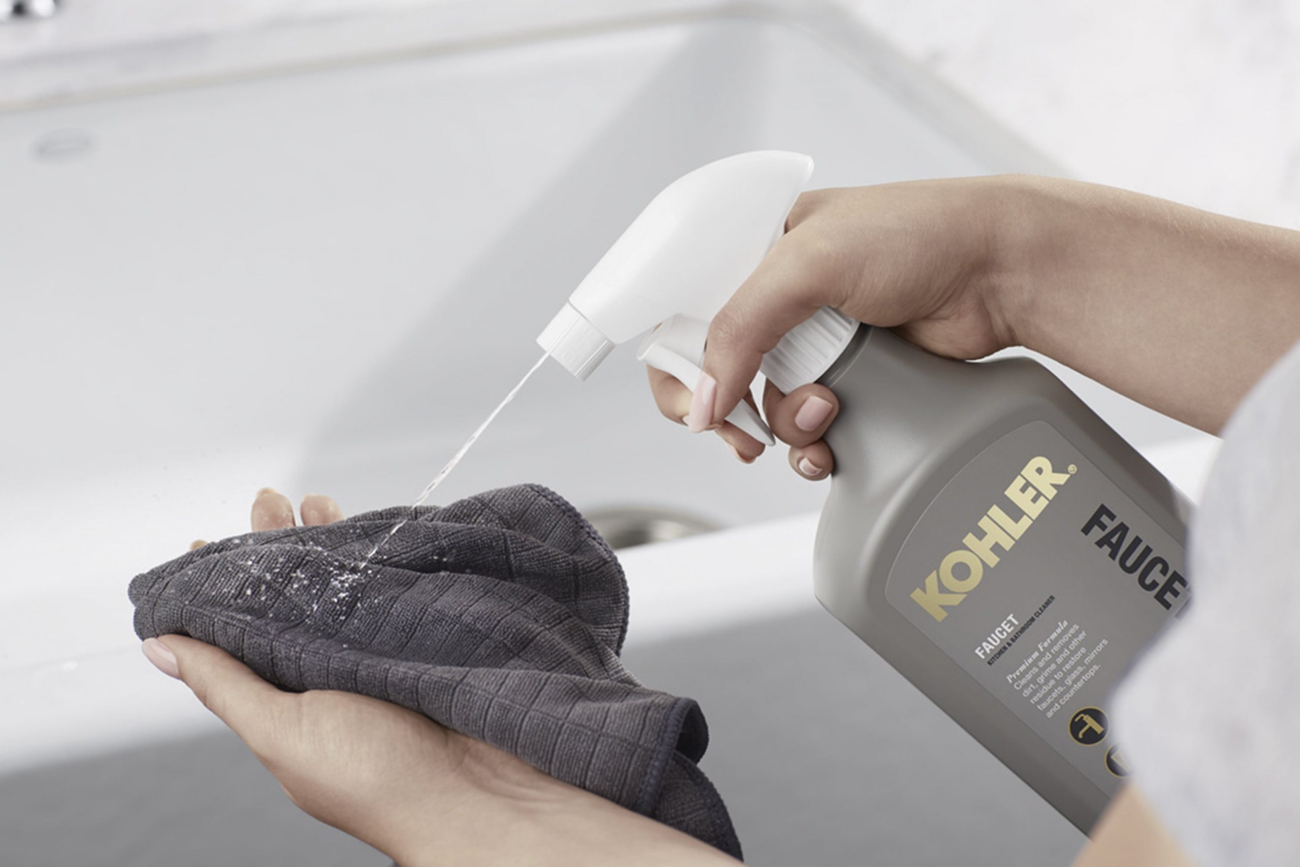 KOHLER Cleaner Product with cloth