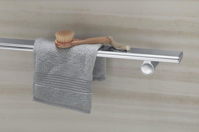 kohler shower barre with washcloth
